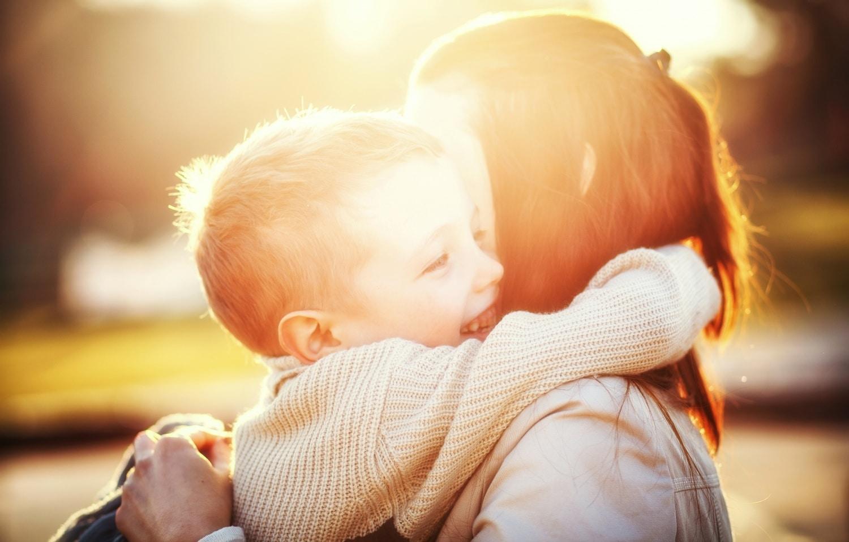 A szülő viselkedése felülírhatja a géneket? Így fejlődik a gyerek