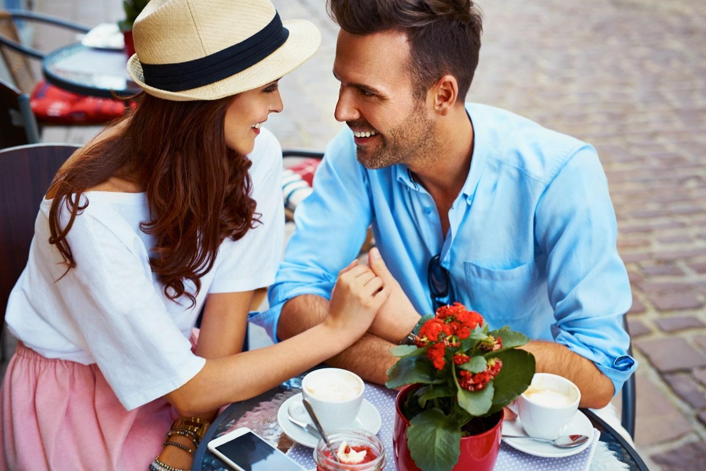 A szemkontaktus szerepe – kommunikálj a tekinteteddel