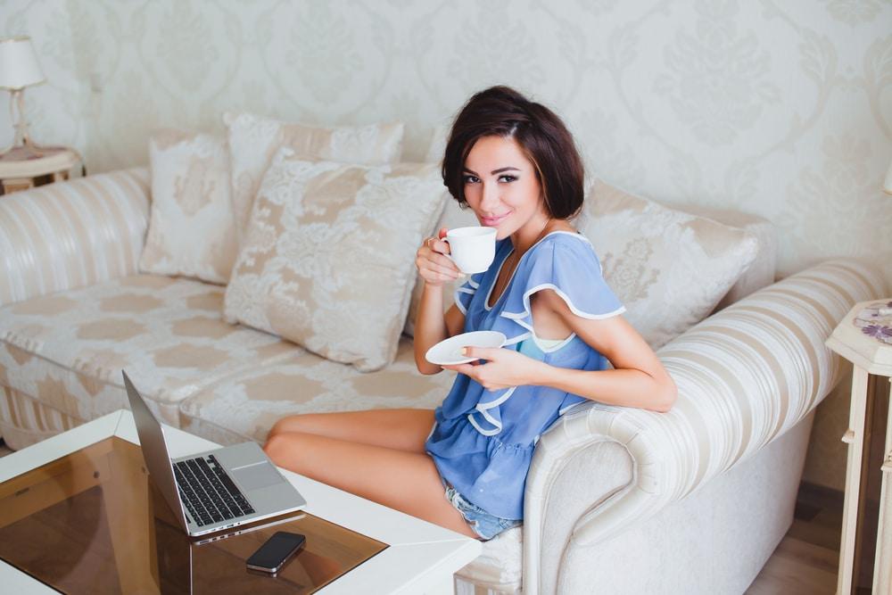 A távolság időnként bizonyítottan jót tesz – De mivel foglald el magad, ha egyedül maradsz otthon?