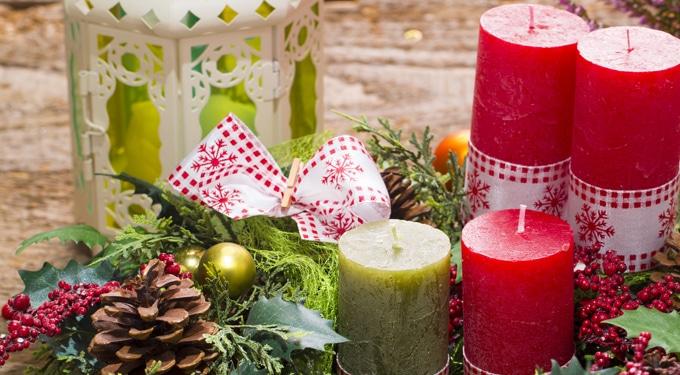 Adventi dekorációk kétbalkezeseknek és gyakorlott dekorálóknak