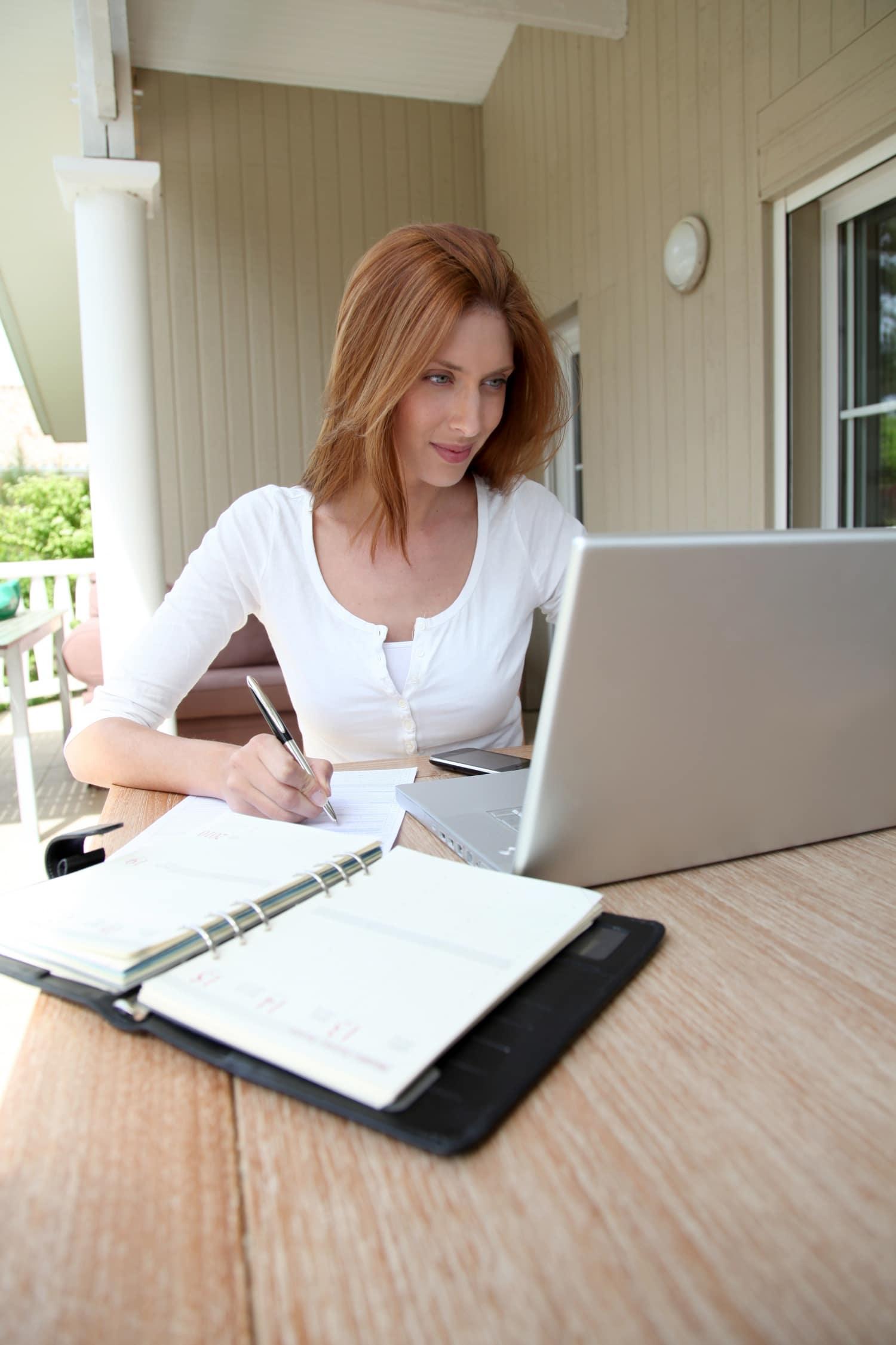 munka az otthoni előnyökből