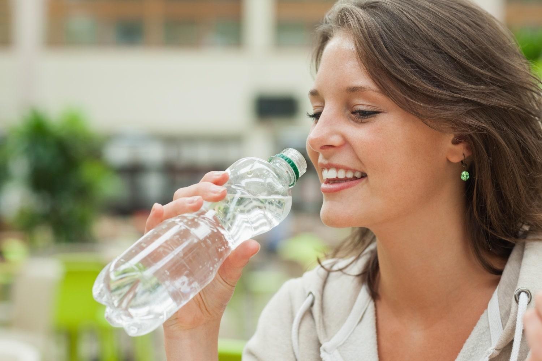 Aquaholizmus: így hat a szervezetedre, ha túl sok vizet iszol