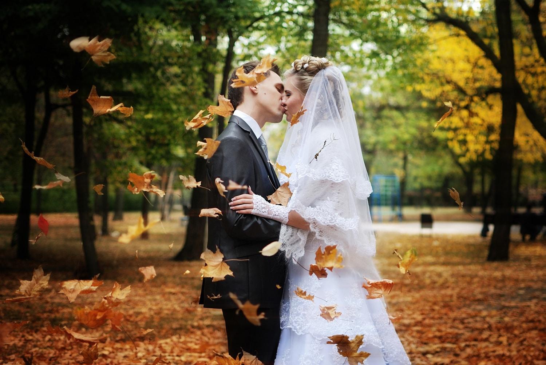 Az őszi esküvő előnyei és hátrányai