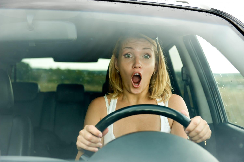 Baljós napok és rendszámok: balesetmegelőzés és érdekes statisztikák