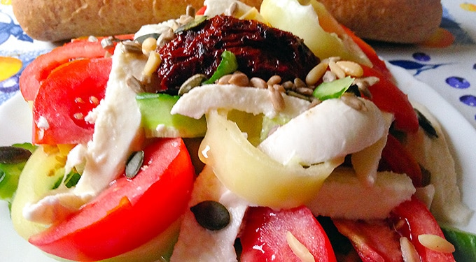 Bomba saláta extra összetevővel