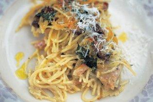 Csirkés, gombás sült spagetti