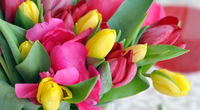 Csodás tavaszi virágcsokrok