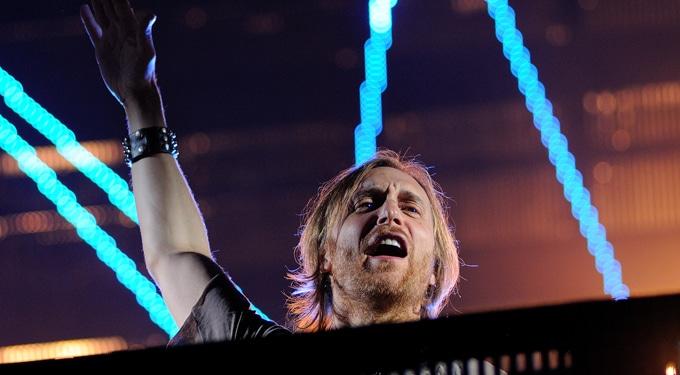 David Guetta lemez helyett láncfűrészt hozott a Szigetre