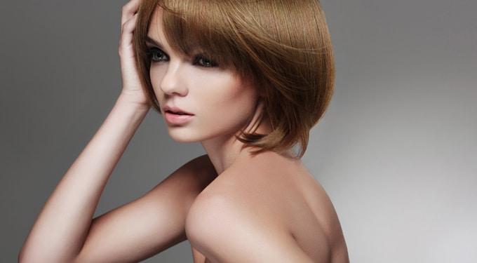 Egy nő, átlagban több mint százszor vált frizurát
