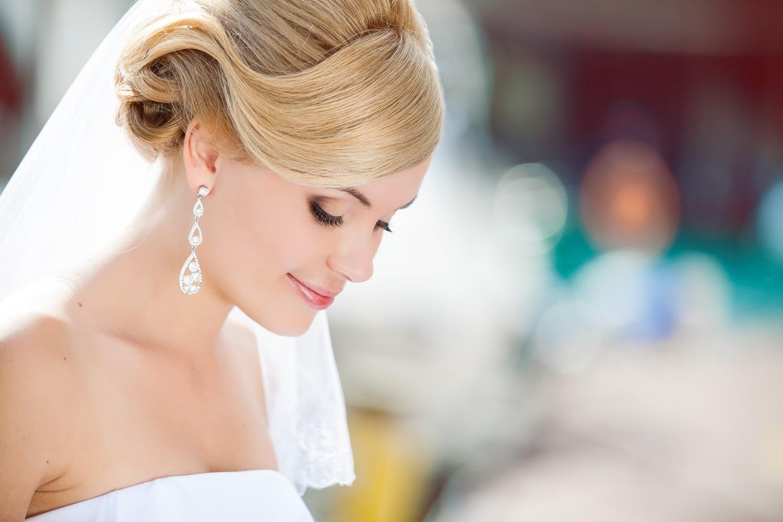 Elbűvölő esküvői sminkek lépésről-lépésre