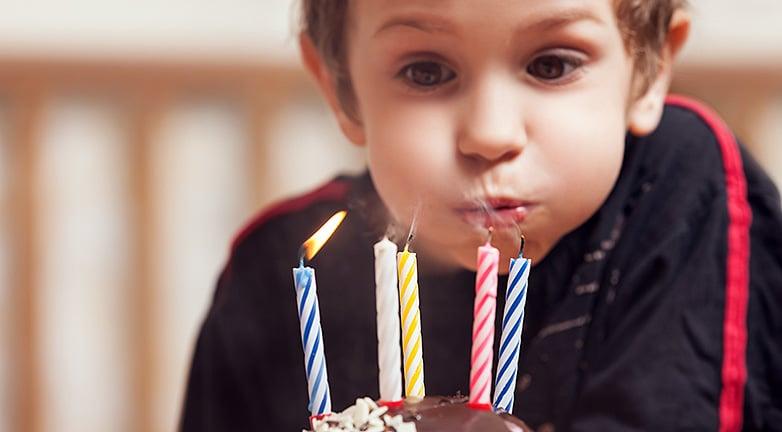 Elfelejtette a saját gyereke születésnapját, ez lett az eredmény