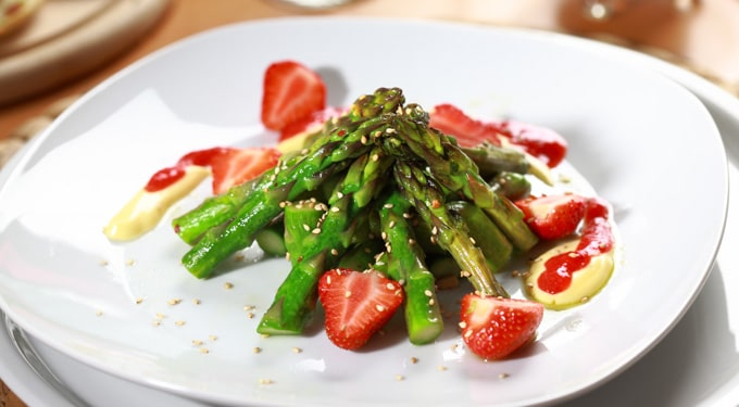 Epres spárga saláta