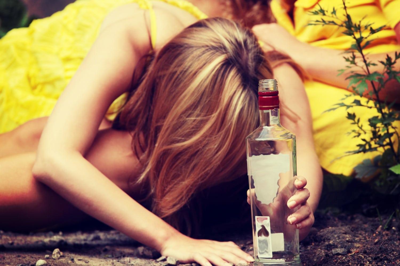 Ezért isznak a gyerekek: sokkoló statisztika a kamaszokról