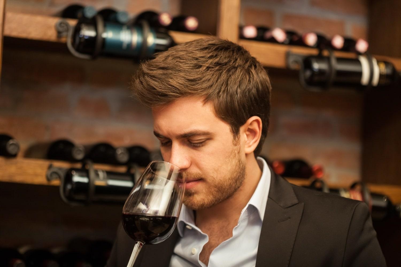 Ez a jó bor titka, és így találhatod meg a boltban – A világ legjobb sommelier-jének tippjei