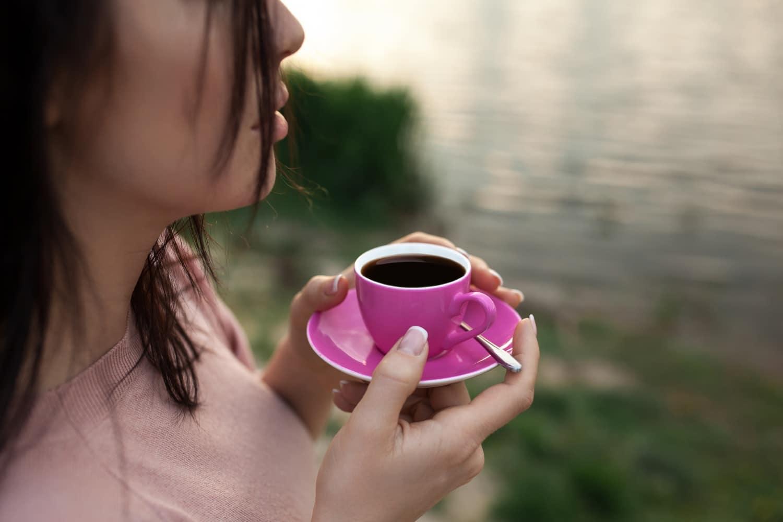 Ezek a koffeintúladagolás legegyértelműbb jelei