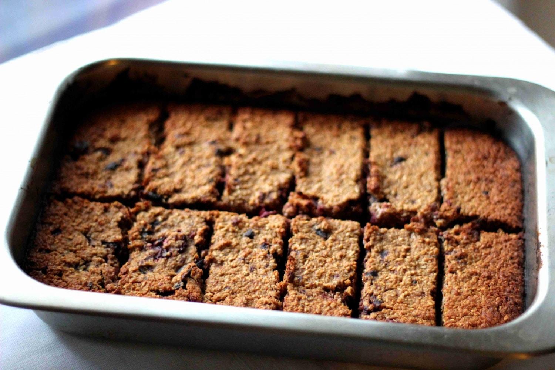 Ez lesz az új kedvenc sütid! – Meggyes zabszelet házilag