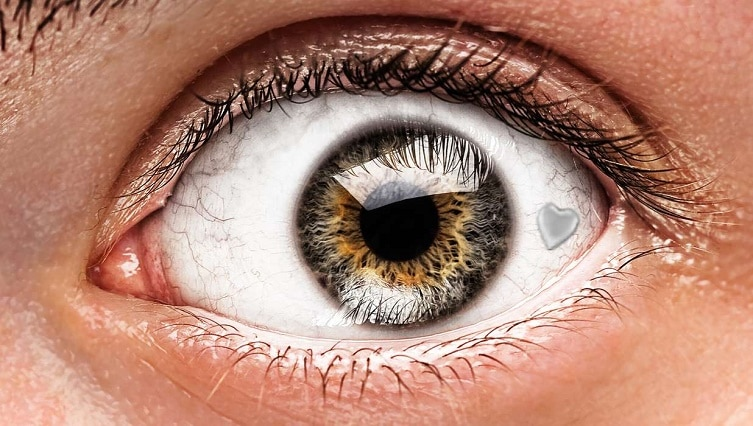 Fánkhomlok, facekini, szemékszer – 5 bizarr szépségtrend az elmúlt időszakból