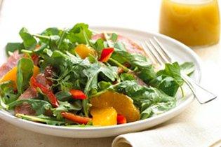 Füstölt pulyka saláta naranccsal