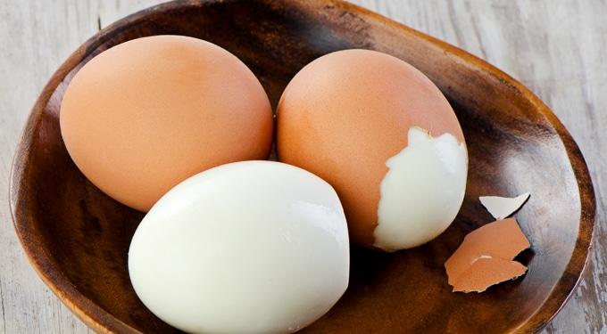 Főtt tojás hámozás mesterfokon – 6 étel, amit eddig te is rosszul ettél