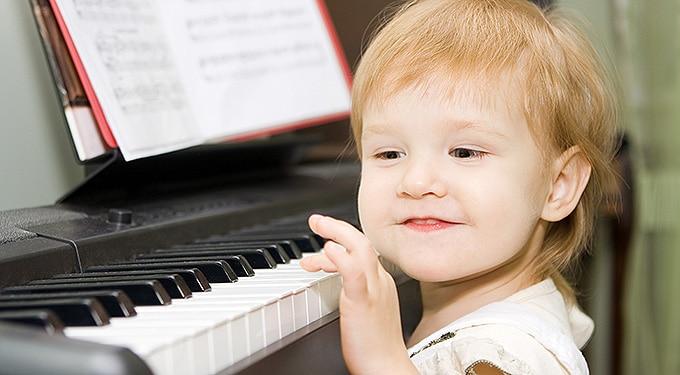 Felnőttként is okosabb lesz tőle a gyerek: ezért érdemes zenét tanulnia