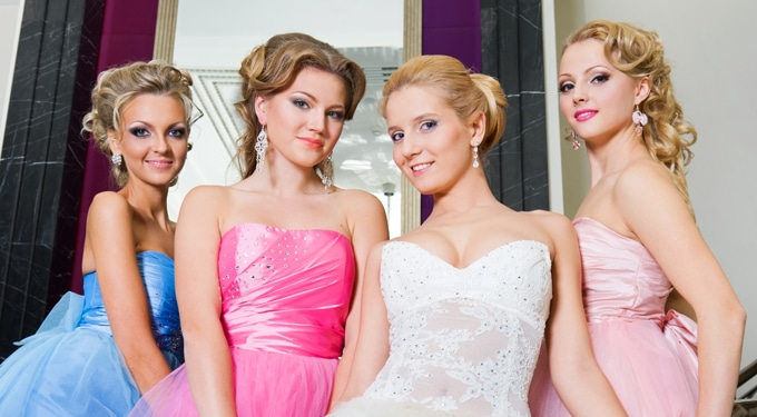 Fontos vendég leszel az esküvőn? Öltözködési alapszabályok