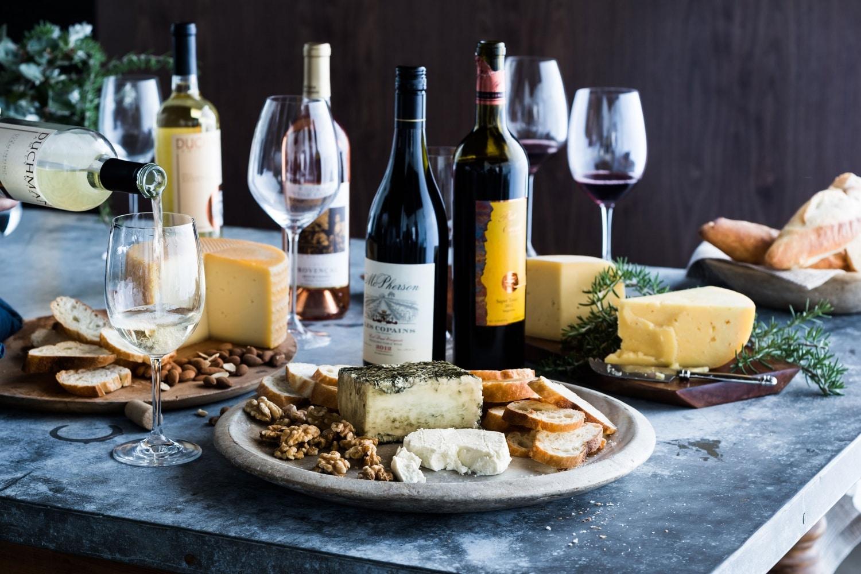 Gasztrokalauz: Így válassz sajtot a borod mellé