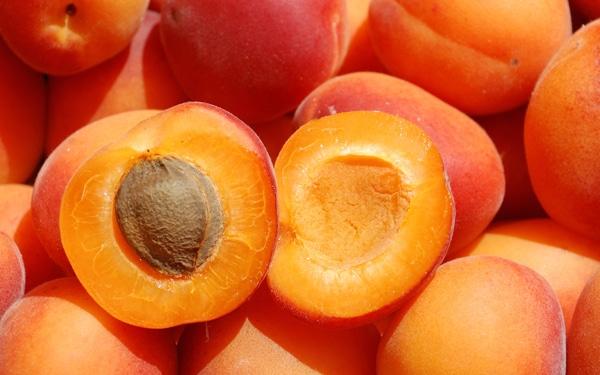 Gyógyító nyári gyümölcsök, amiből muszáj enned