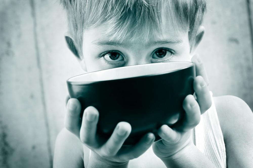 Gyermekéhezés és gyermekszegénység – 620 ezer gyerek él embertelen körülmények között