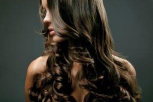 Házi praktikák a ragyogó hajért