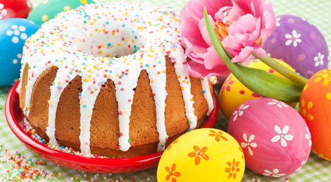 Húsvéti receptek: kakaós-rumos koszorú, rumos kalács és tojáslikőrös kuglóf