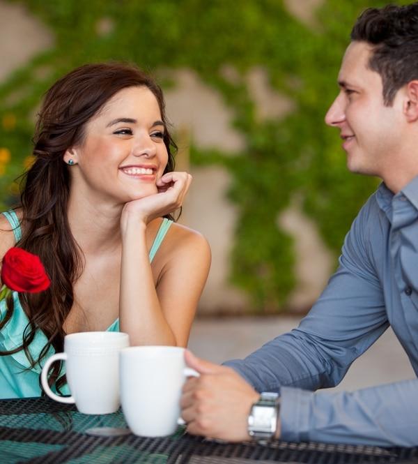 szakemberek csak randizgatni