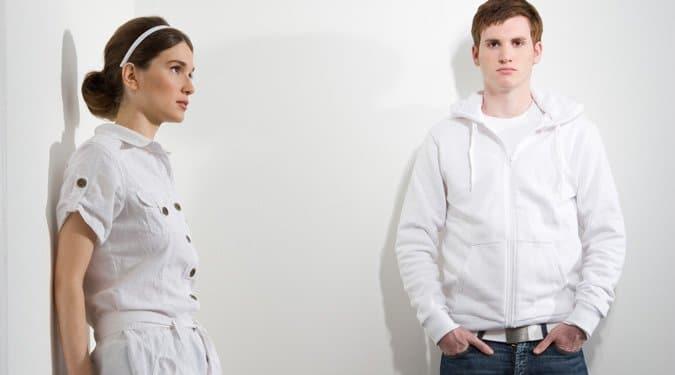Hallgatag párkapcsolatok