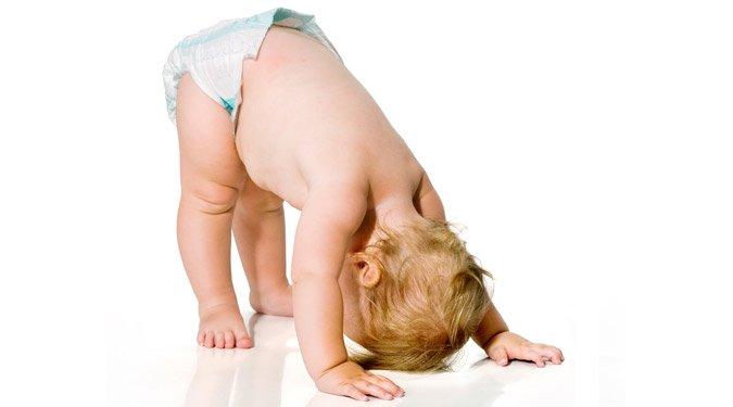 Hogyan buzdítsuk mászásra a gyereket?