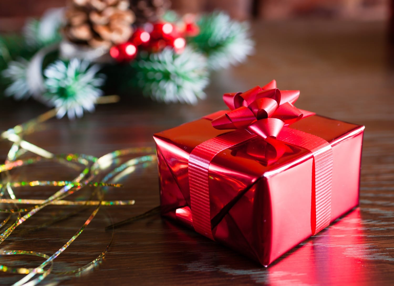 Illemtudó ajándékcsomagolás: egy kis plusz a karácsonyfa alá