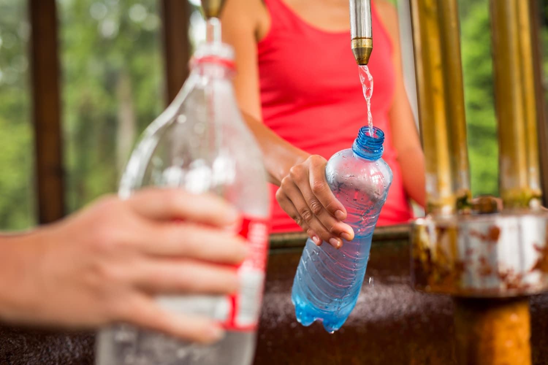 Ilyen veszélyt jelentenek a műanyag palackok és edények – a szakértők sokkoló ítélete