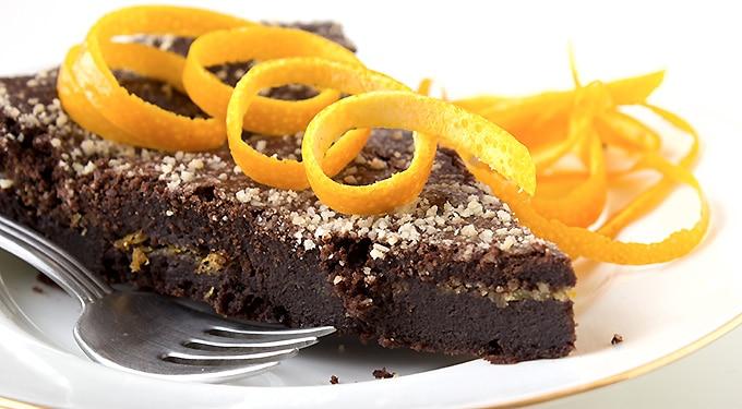 Isteni, illatos narancsos csokitorta – Recept a lekvárhoz és a kandírozott narancshoz is!