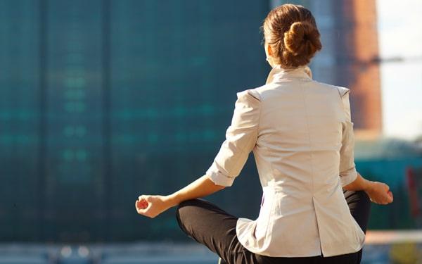 Jojózd ki magadból a feszültséget! Nyugtató módszerek – akár irodába is