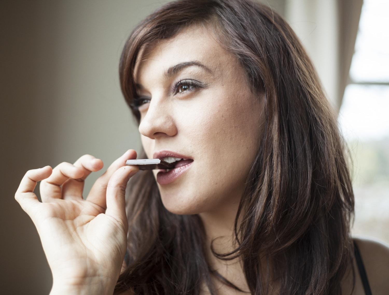 Karcsúsít és jó a szívnek: 5 tudományos érv a csokievés mellett