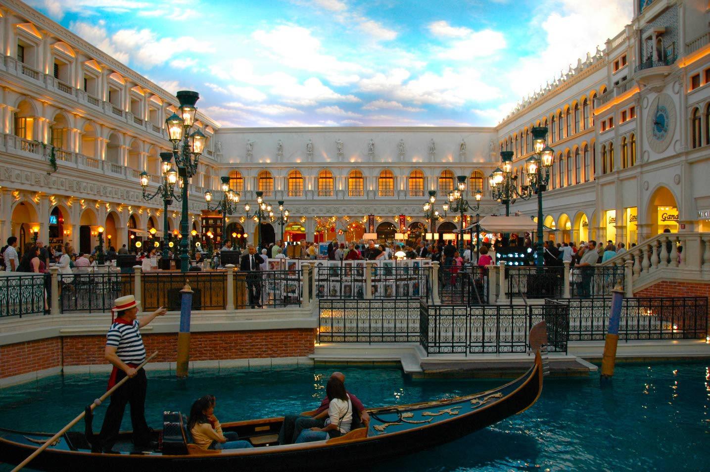 Lenyűgöző képeken Las Vegas 7 legfényűzőbb szállodája