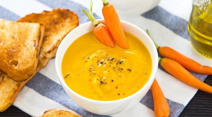 Mandarin-sárgarépa leves
