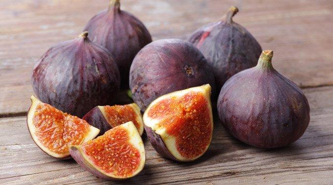 Mediterrán gyümölcs a kertünkben: érik a füge!