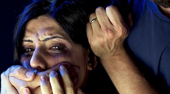 Megverte a feleségét, mert nem volt meleg vacsora