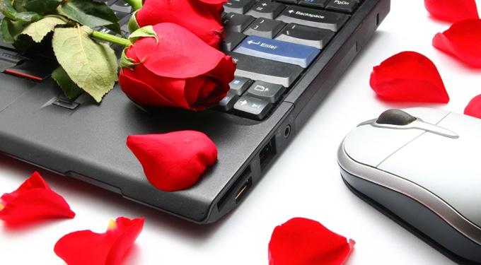 Mennyire születnek sikeres párkapcsolatok a közösségi oldalakon?