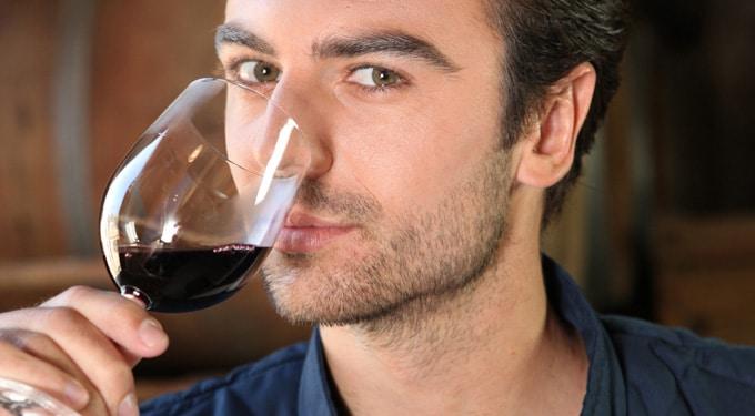 Mit iszik a férfi? Ezt árulja el róla!