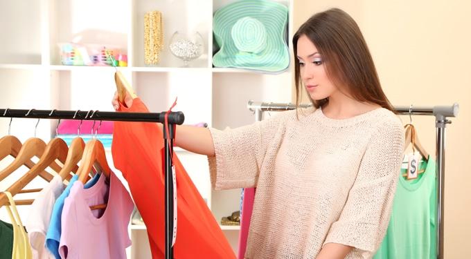 Nagy tavaszi gardróbfrissítés – 6 praktika a ruhaválogatáshoz