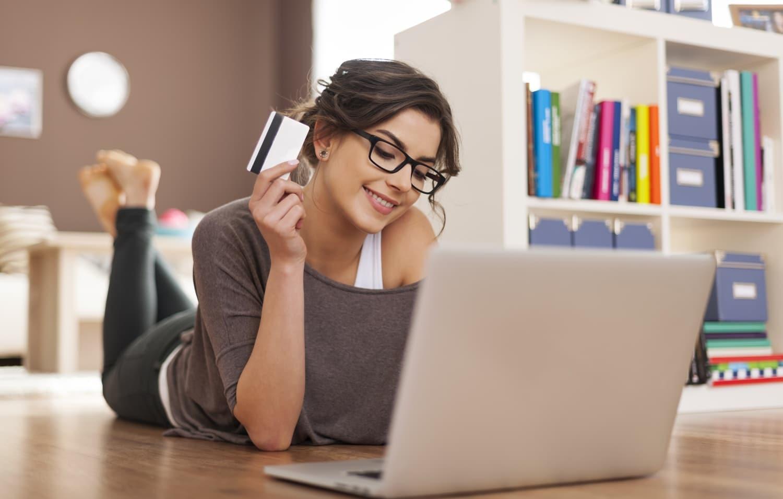 Nagyon vigyázz, ha neten vásárolsz! Megváltoztathatják az árat a szolgáltatók
