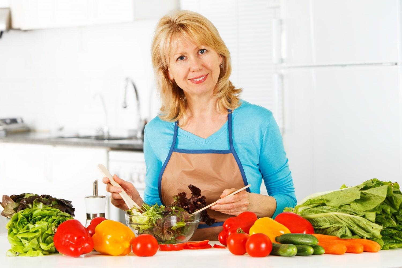 Ne legyen az étel az ellenséged! Szuper fogyókúrás tippek negyvenen felülieknek