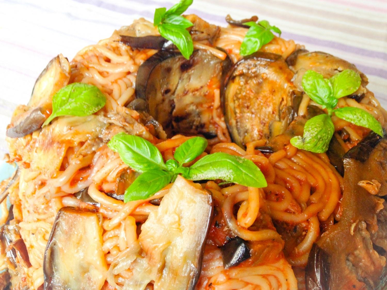 Paradicsomos-padlizsános spagetti torta
