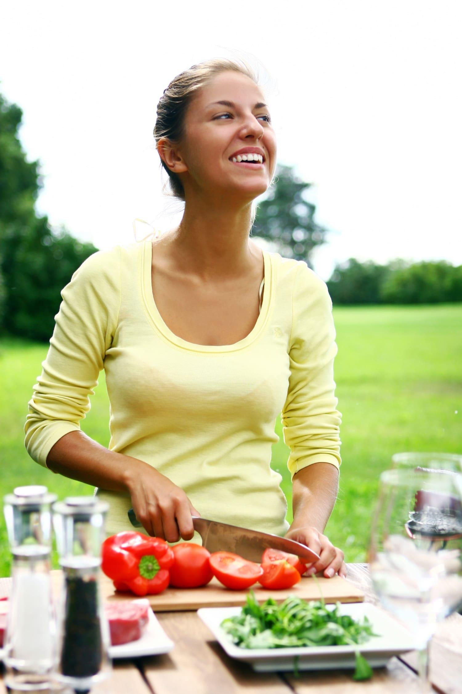 Paradicsomot sütve, spenótot nyersen: így érdemes enni a zöldségeket!