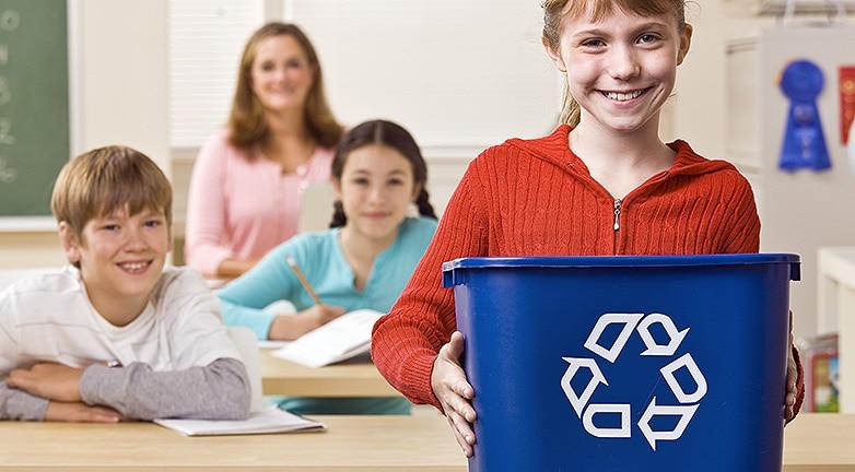 Plasztik iskolakezdés – most neveld a gyereked!